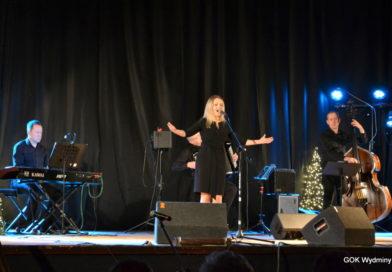 """""""Piaf"""" – wyjątkowy koncert w Wydminach."""